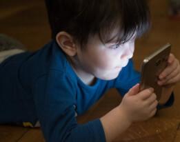 L'utilisation des écrans modifierait le cerveau des enfants